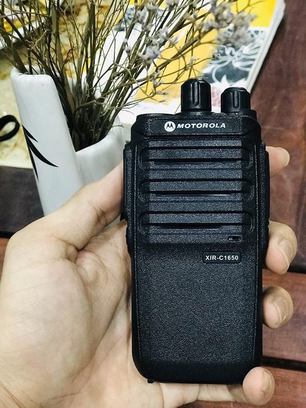 máy bộ đàm cầm tay Motorola XIR- C1650